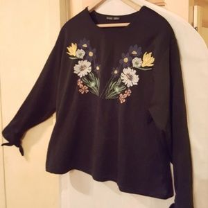 Zara embroidered floral bouquet top black